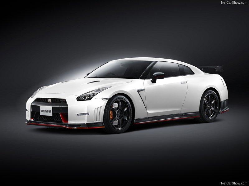 Nissan-GT-R_Nismo_2015_800x600_wallpaper_23