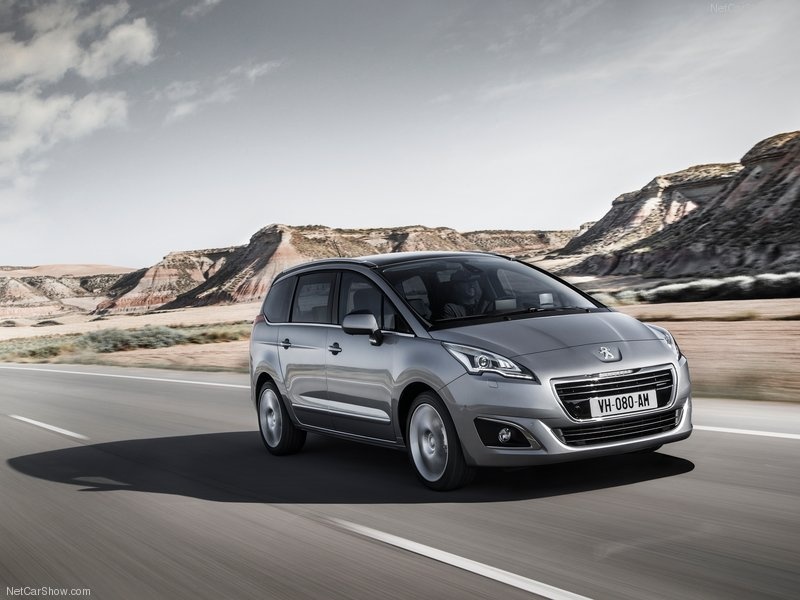 Peugeot-5008_2014_800x600_wallpaper_01